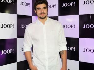 Homem No Espelho - Caio Castro na campanha Joop Homme.