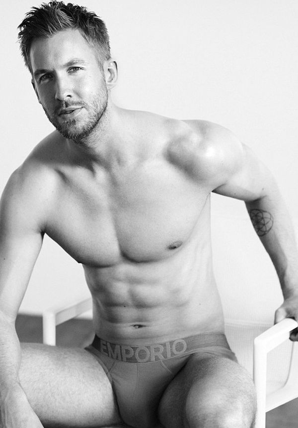 Homem No Espelho - Calvin-Harris-Emporio-Armani-Underwear