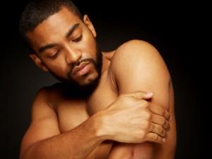 Homem No Espelho - Cuidados para homens de pele negra
