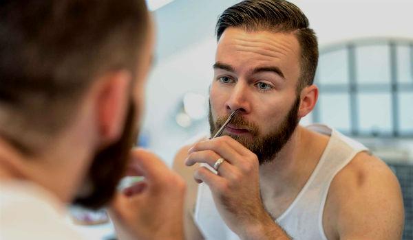 Homem No Espelho - Pelos corporais onde aparar e onde deixar - Depilação masculina - Nariz e orelhas