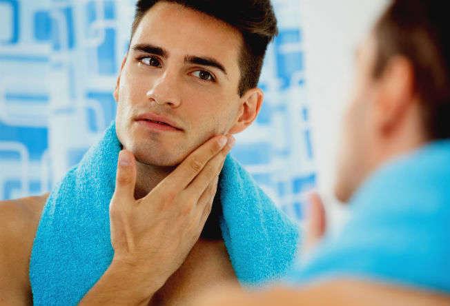 Homem-No-Espelho-Cuidados-noturnos-para-a-pele-masculina