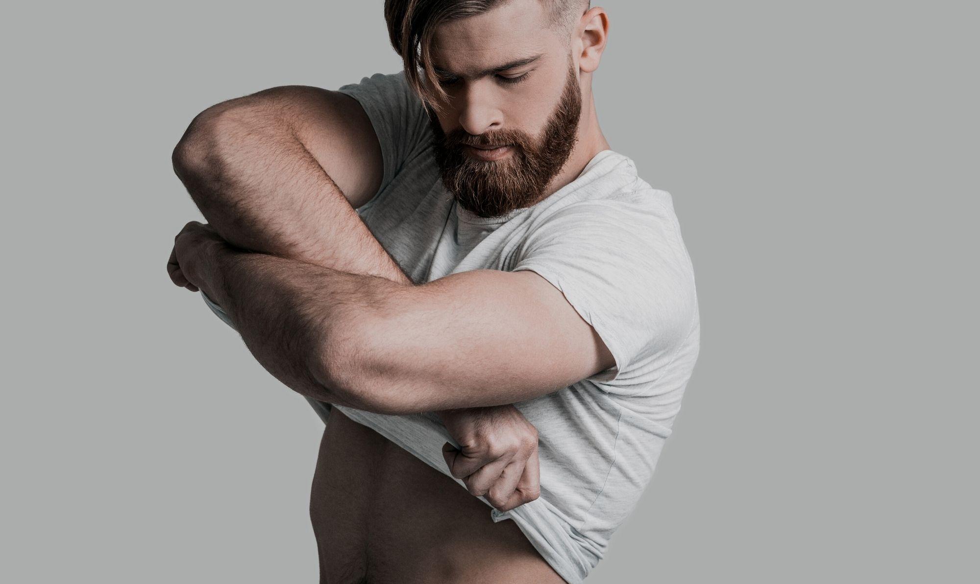 Homem No Espelho - Como se preparar para tirar a roupa num encontro