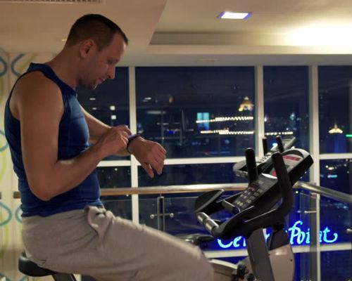 Homem No Espelho - Treino academia músculos 10.