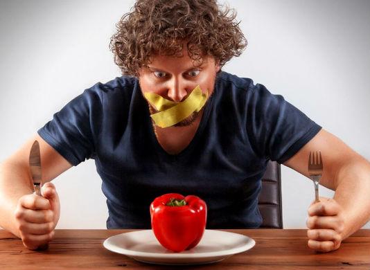 Homem No Espelho - 10 truques para comer menos na dieta