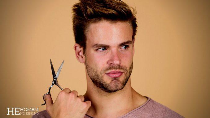 Homem-No-Espelho-5-mitos-sobre-a-queda-de-cabelo