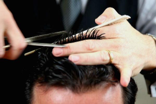 Homem No Espelho - 5 mitos sobre queda de cabelo-3