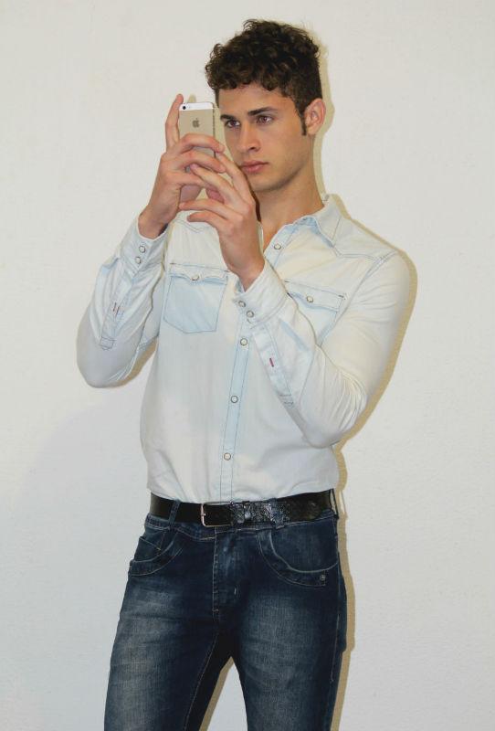 Homem No Espelho - Como dar um upgrade no seu estilo - JEANS COM JEANS - CAMISA JEANS 2