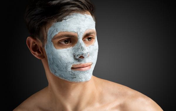 Homem-No-Espelho-Cuidados-com-a-pele-masculina-aos-20-anos-3