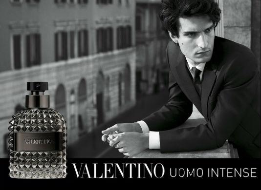 homem-no-espelh0-valentino-uomo-intense
