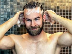 Homem No Espelho - Cuidados com cabelo no verao
