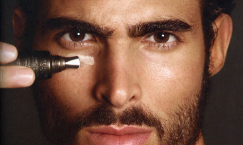 Homem No Espelho - Produtos para corrigir e disfarçar imperfeições da pele - manchas - espinhas - olheiras