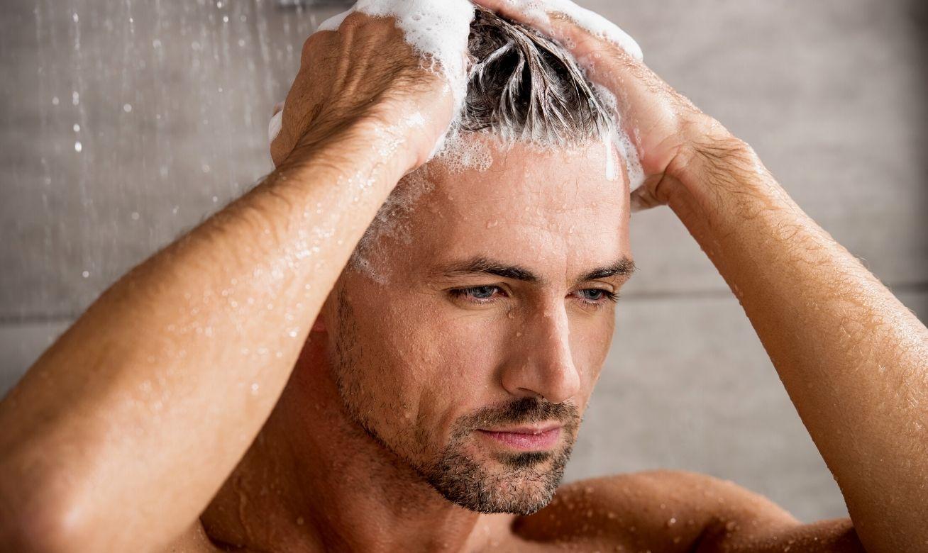 Homem No Espelho - Lavar cabelo todo dia