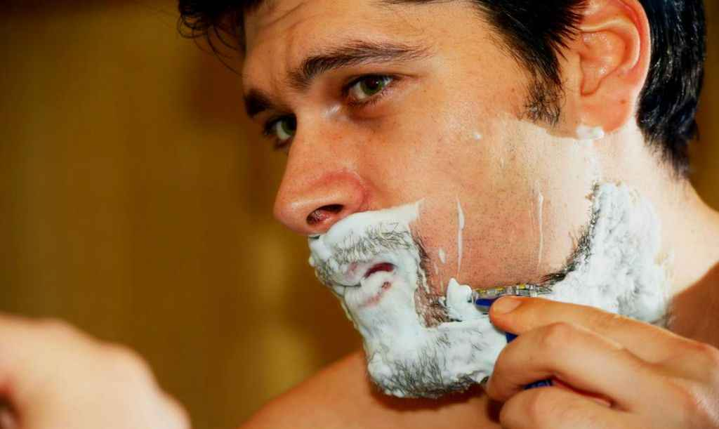 Diferença entre pelo encravado e foliculite Como tratar pelo encravado, foliculite, pseudofoliculite - Barba