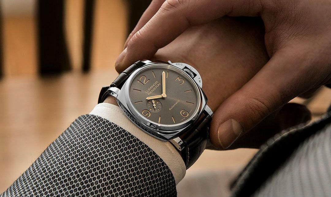 a4c941b2351 Homem No Espelho - Chrono24 - compra e venda de relógios - onde comprar e  vender