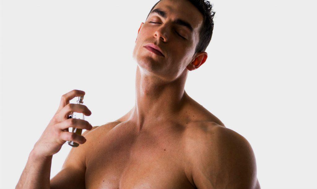 Como fazer o perfume durar mais na pele - Homem No Espelho