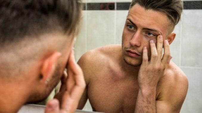 Como prevenir rugas e marcas de idade - Homem No Espelho