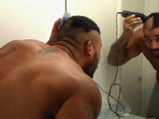 Como raspar a cabeça - Homem No Espelho