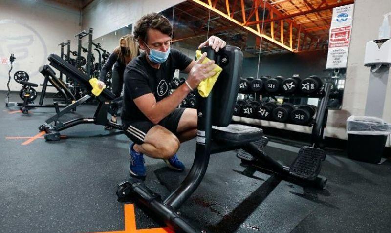 Homem No Espelho - Volta à academia os cuidados para recomeçar o treino