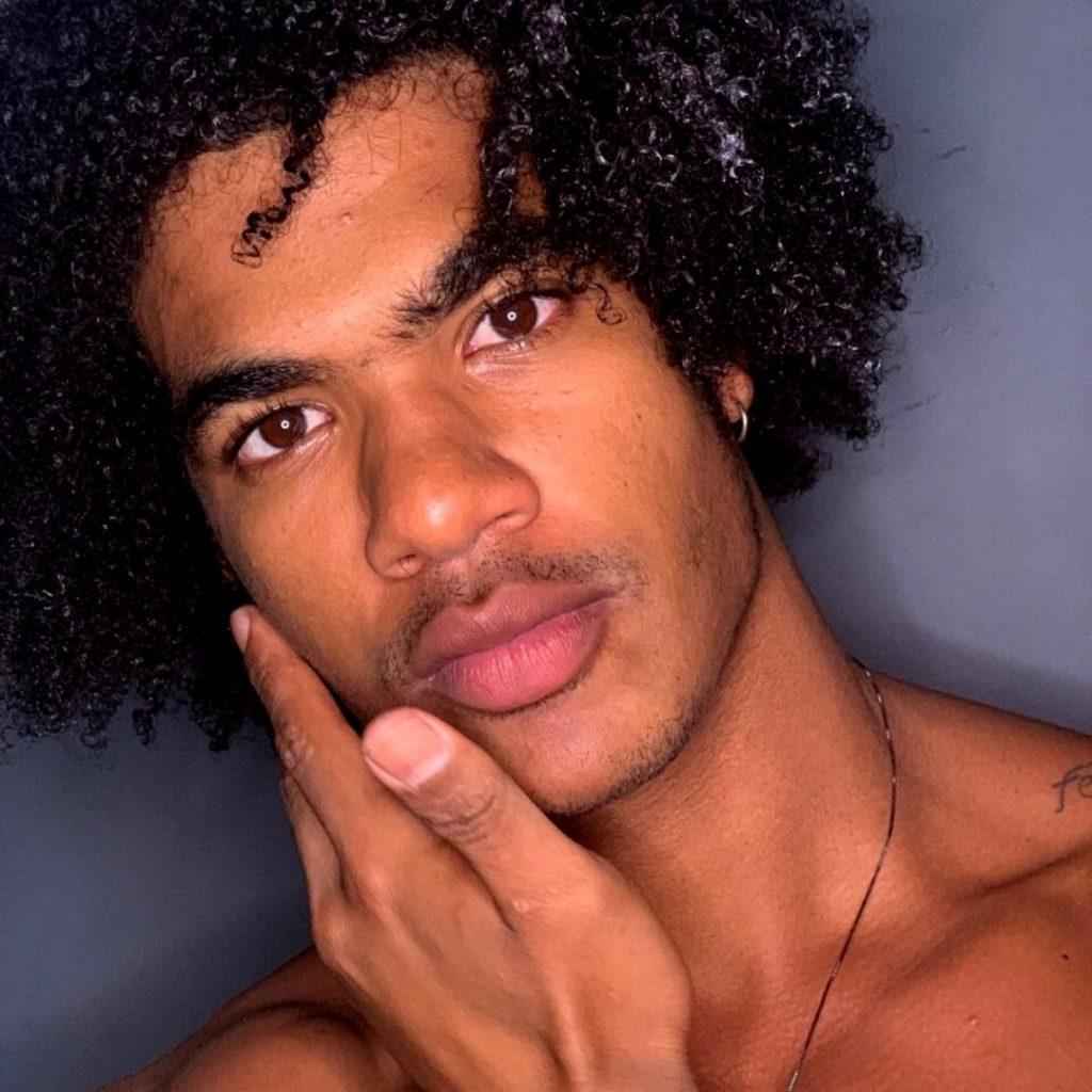 Homem No Espelho - Cuidados com a pele para homens negros - pele negra
